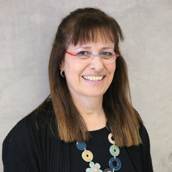 Dr. Esther Carmel-Hakim